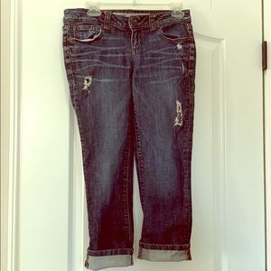 Distressed Sexy Rolled Crop Jeans